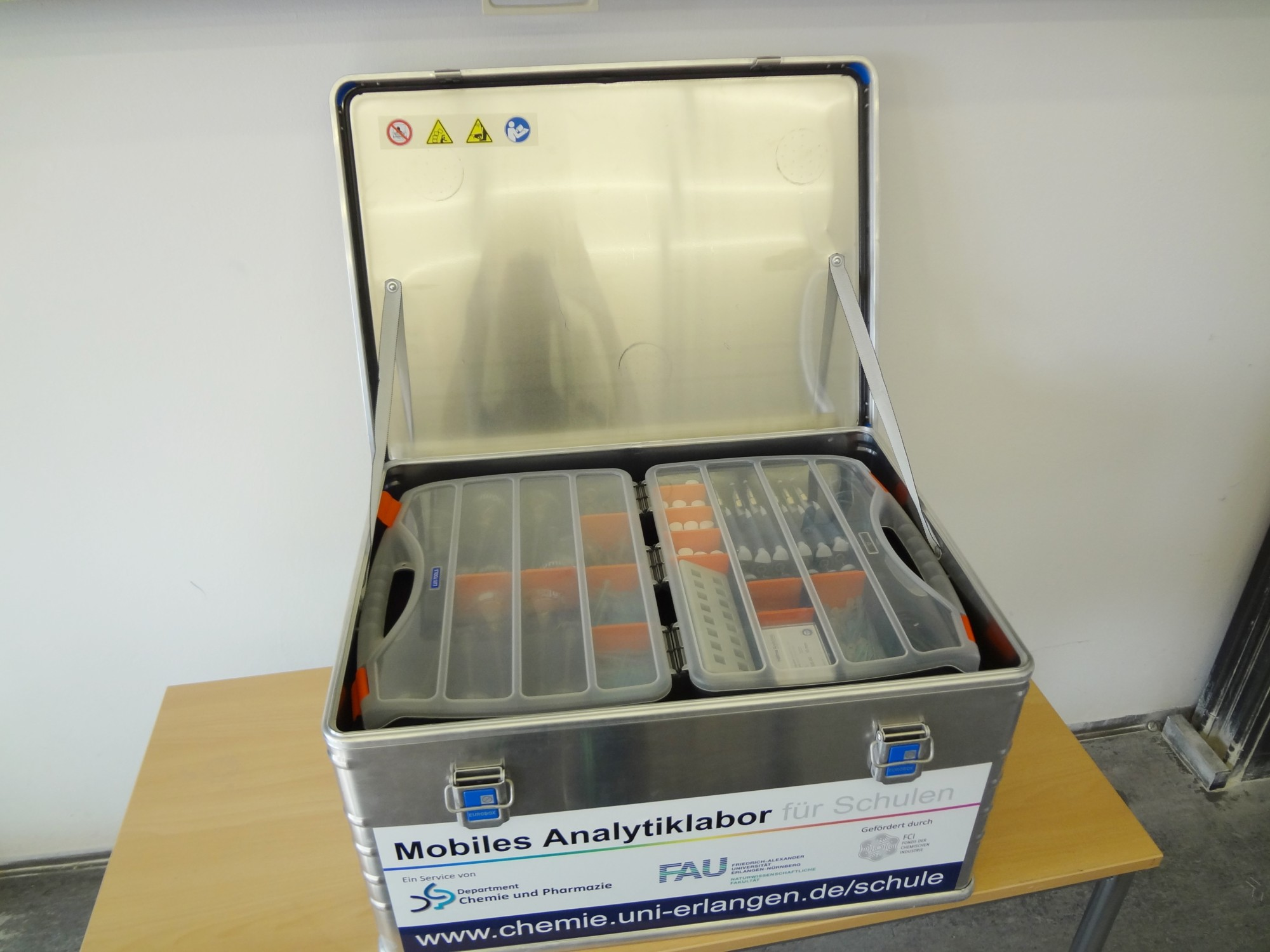 Transportbox des Mobilen Analytiklabors
