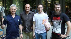 Die Katalyse-Preisträger mit Prof. Dr. Dorta (l) und Prof. Dr. Harder (2.v.l.) (Foto: Ak Harder)