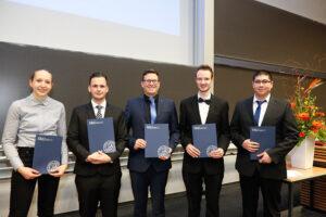 v.l.n.r.: Julia Beck, Tim Leykauf, Marek Schoone, Johannes Wohlleber, Tim Graßl (Foto: Giulia Iannicelli/FAU)